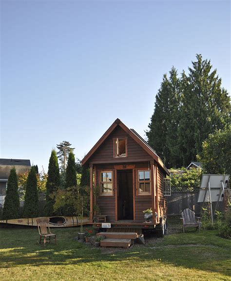 tiny houses wiki file tiny house in yard portland jpg wikimedia commons