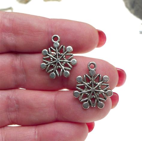 wholesale snowflake charms 20x17mm bulk 10