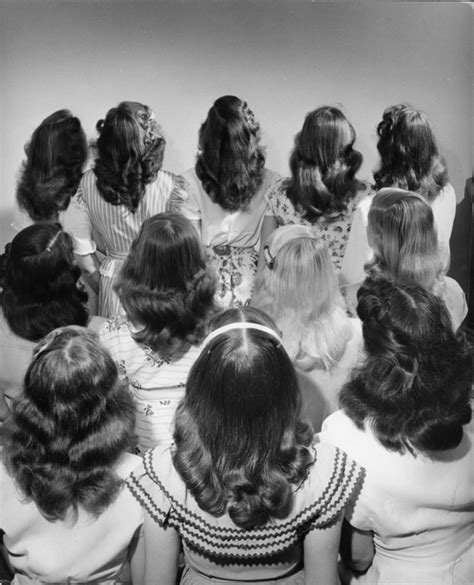 1940s hair styles for medium length hair 23 pictures show how strangely beautiful the 1940s really were