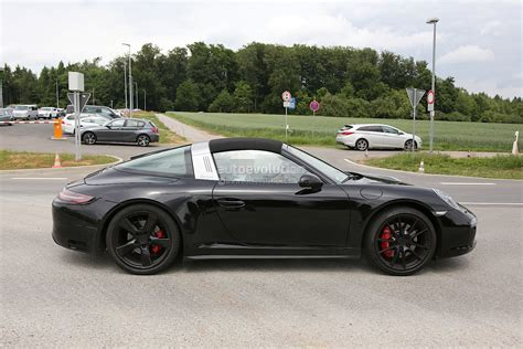 targa porsche porsche 911 targa gts spied with facelift changes