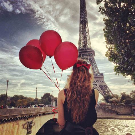 Red balloons in paris the series rebecca plotnick photography