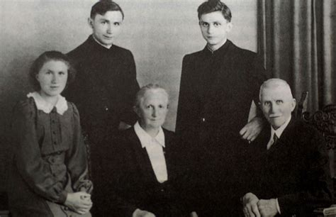 libro young marx benedicto xvi contesta en su libro al cardenal marx y desmiente que su pontificado haya sido