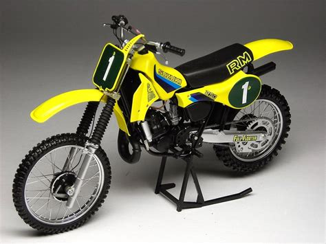 racing scale models suzuki rm 250 1982 by max moto