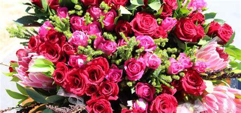 regalare un mazzo di fiori regalare mazzo di fiori pu 242 essere stalking la voce