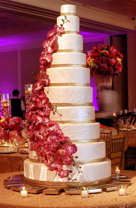 how big should a wedding cake be wedding luxe wedding and cakes on