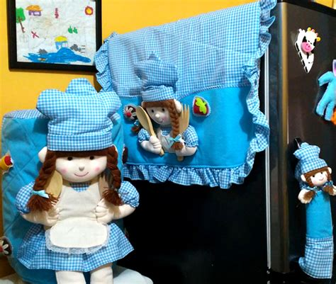 Set Doraemon Biru Merah 3 tutup galon 3 dimensi toko bunda