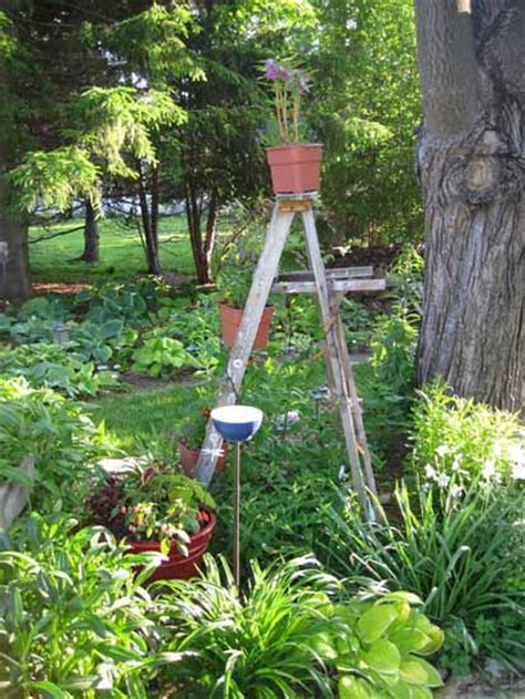 Outdoor Garden Decorations Made Of Old Wooden Ladders Wooden Garden Decorations