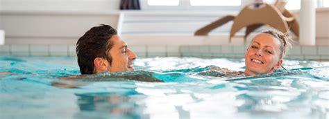 ab wann schwimmen lernen hallenbad gargellen montafon vitalhotel vorarlberg