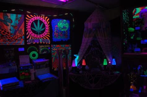 pictures of beautiful black light rooms 28