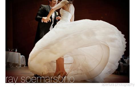 Best Wedding Photos of 2011   Junebug Weddings