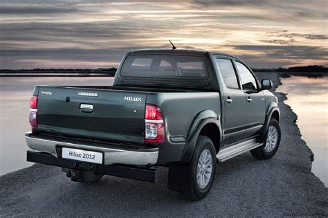 toyota trucks 2012 toyota hilux pickup truck with new look carguideblog