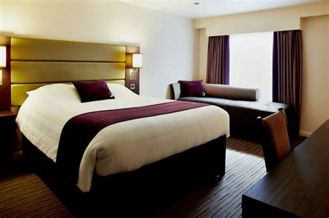 premier inn  launched  huge autumn sale  prices start    mirror