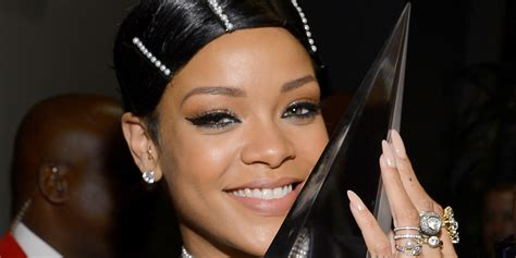 show me a duby wrap rihanna s hair at the ama is actually not a real hairstyle it s a doobie wrap photos huffpost