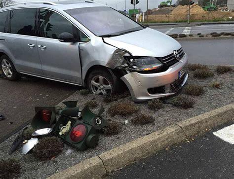 Auto Kaputt leichlingen trompete unfall legt el lahm