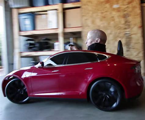 Tesla Model S Garage Door Opener by Opendo Garage Door Opener Remote Push Quot B Quot To Open Technabob