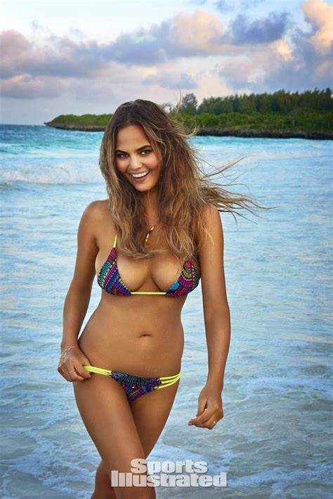 sports illustrated chrissy teigen in sports illustrated swimsuit issue 2016