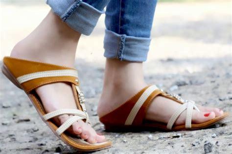 Sandal Teplek Flat Wanita Krancang Fashion Hits Mura 14 sandal model terbaru yang lagi hits 2018 fashion