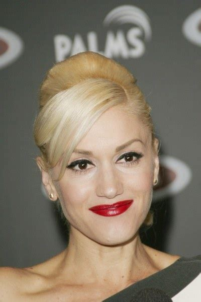 Gwen At War With Forever21 by Gwen Stefani S Harajuku Illegally Ripped By