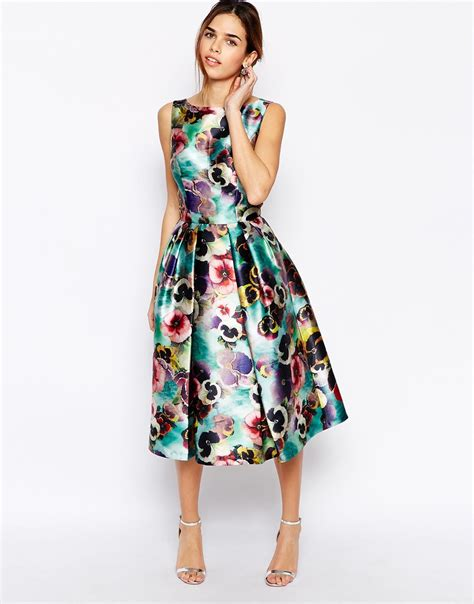 Dress Ropa Floral 21 Midi Dress Hitam lyst chi chi allover floral prom skater dress