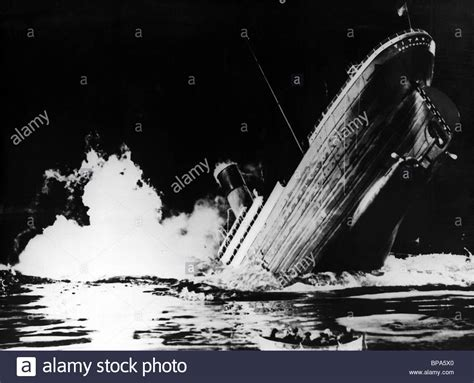 sinking ship scene titanic 1953 stock photo 30956968 alamy - Titanic Boat Sinking Scene
