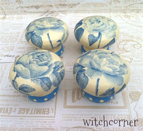 how to decoupage door knobs