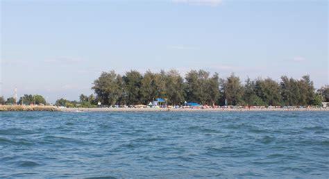 pantai arta wisata dan info sumbar
