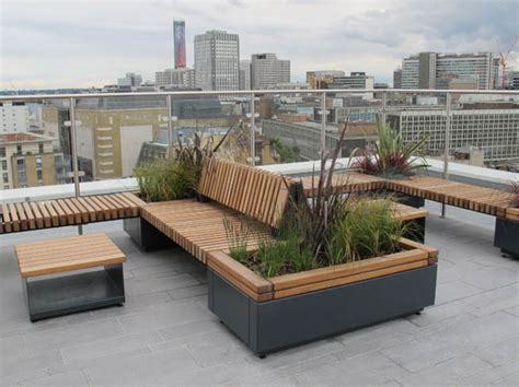 Planters With Bench Seating by Railroad Planters With Bench Seating Timber Planters