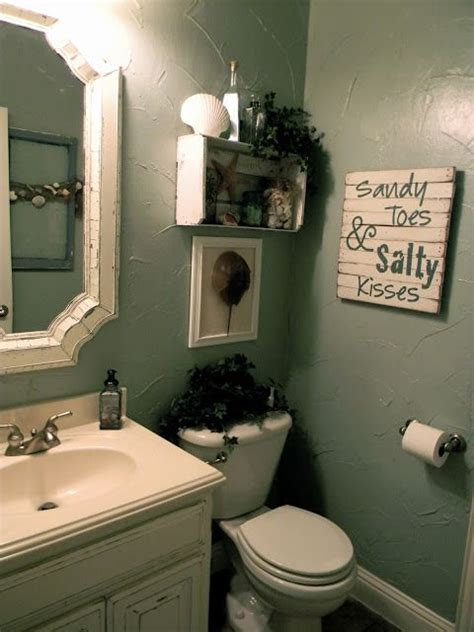 tiny bathroom decorating ideas themed bathroom not a fan of the theme but i like