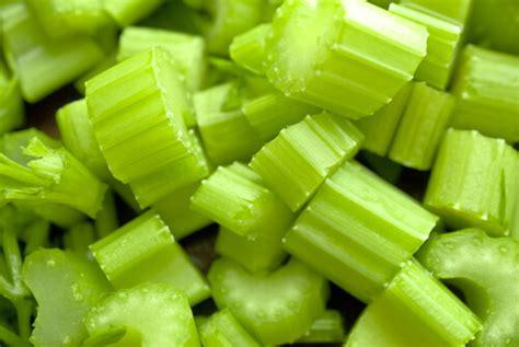 come utilizzare le foglie sedano rimedi naturali contro la forfora vivere pi 249 sani