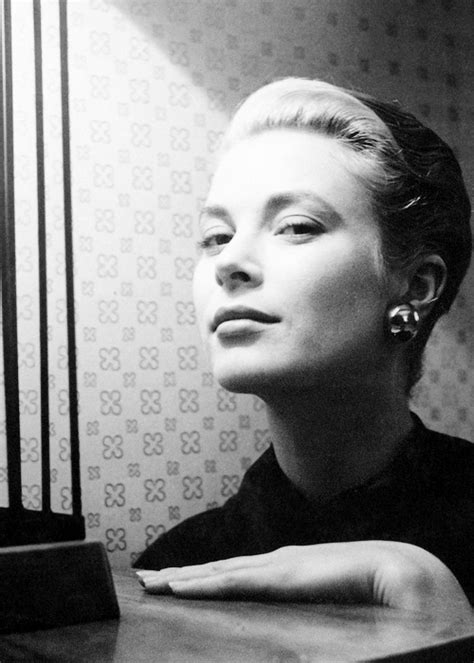 msmildred:Grace Kelly photographed by Cecil Beaton
