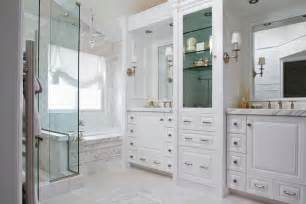 to da loos a beautiful classic white bathroom