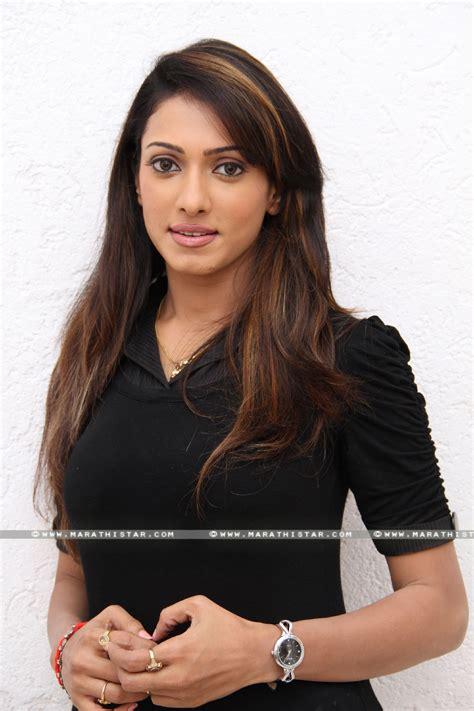 marathi stars avantika salian marathi actress photos wallpapers