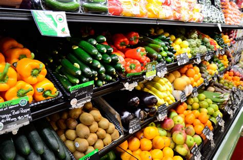 vegetables y fruits fruits and vegetables displayed free stock photo