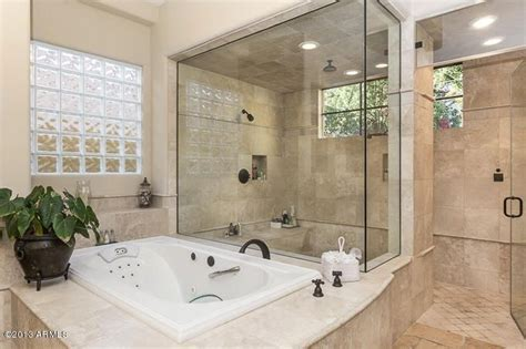 Traditional Master Bathroom with 2x2 Travertine Mosaic