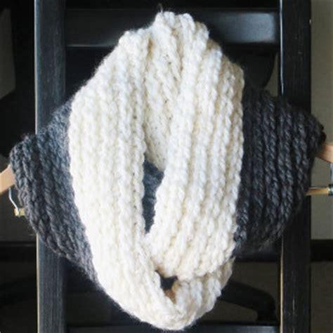 bulky infinity scarf crochet pattern chunky stylish infinity scarf pattern allfreecrochet