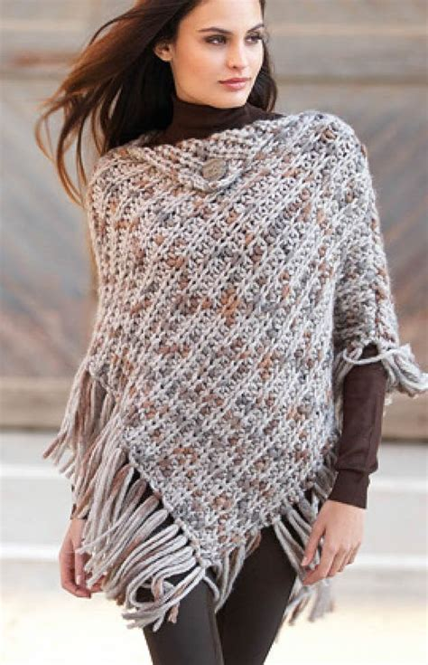 knit poncho best 25 knitted poncho ideas on poncho
