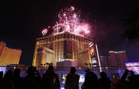 new year 2016 las vegas events storms may cause minor disruptions for millions headed to