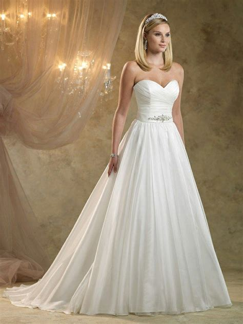 Pretty Gowns For Weddings by Pretty Wedding Dress Beautiful Disney Princess