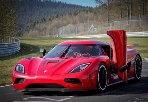 red koenigsegg agera r wallpaper image gallery koenigsegg red