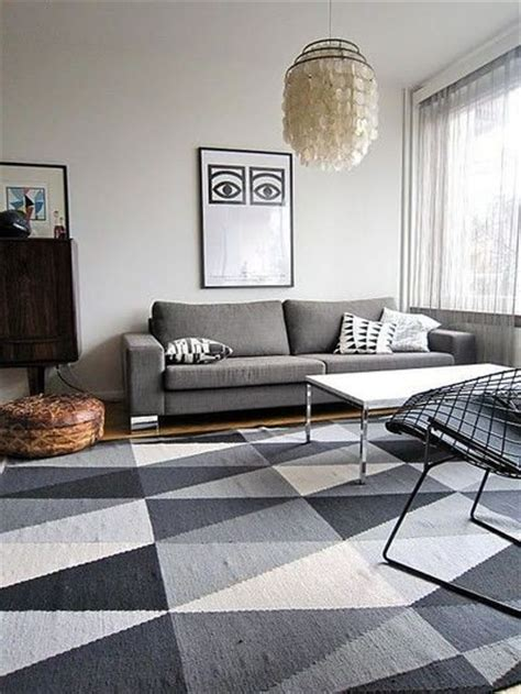 triangle ornamented rugs   apartment messagenote