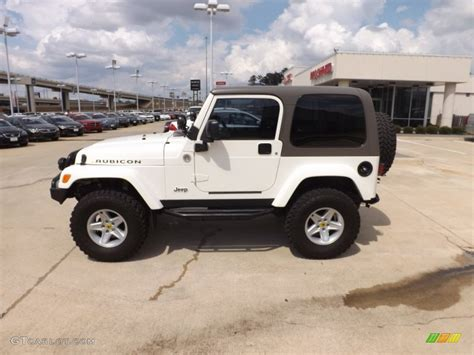 white jeep rubicon white 2004 jeep wrangler rubicon 4x4 exterior photo