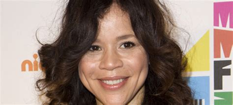 is rosie perez wearing wig rosie perez hair is it a wig the juice with jem thurs