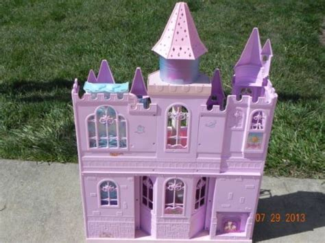 barbie castle house barbie swan lake musical castle dollhouse gently used music works lakes musicals