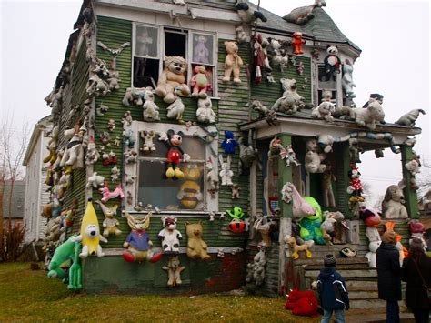 the animal house file detroit stuffed animal house jpg wikimedia commons