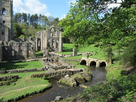 Formal Garden Layout - fountains abbey picture of fountains abbey and studley royal water garden ripon tripadvisor
