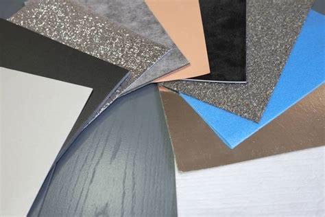 tappeti fonoassorbenti colle usate e prodotti per la manutenzione e pulizia