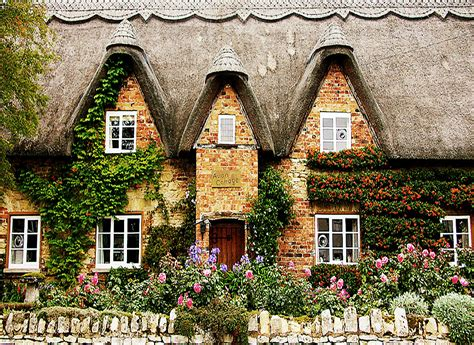 Close Your Eyes And Dream Of England Avon Cottage Cottages In The Cotswolds