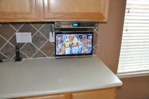 Under Cabinet Tv Mount Kitchen by Under Cabinet Tv Mount For Kitchen Home Decor Insights