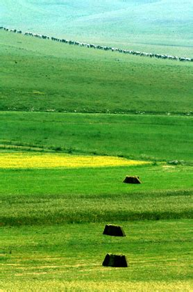 sibillini hills  monti sibillini umbria marche