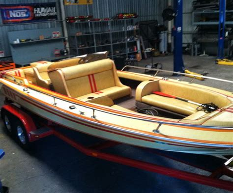 bow drive boat 1982 howard 21 whaler v drive cruiser open bow